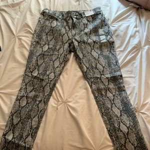 Snake print high rise jeggings